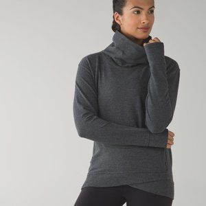 LULULEMON 6 on the double pullover heathered grey